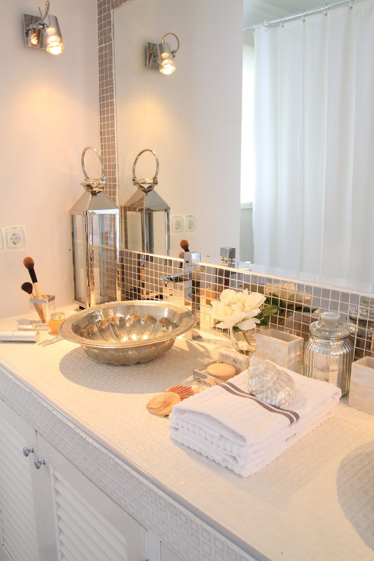 Replace Boring Tiles With Trendy Mirror Tiles
