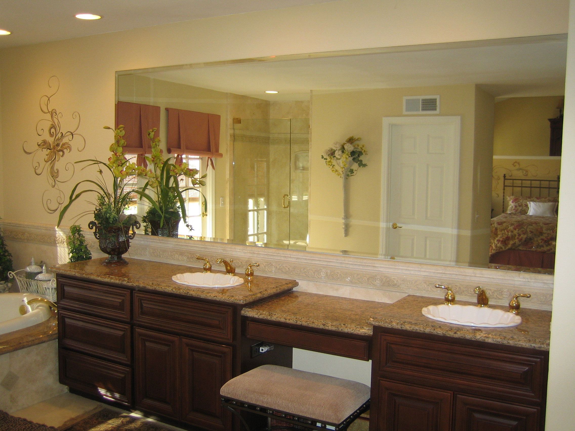 Custom mirrors for stunning bathroom interiors for Custom bathroom ideas