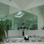 Custom Mirrors For Stunning Bathroom Interiors
