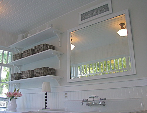 traditional-laundry-room-mirror