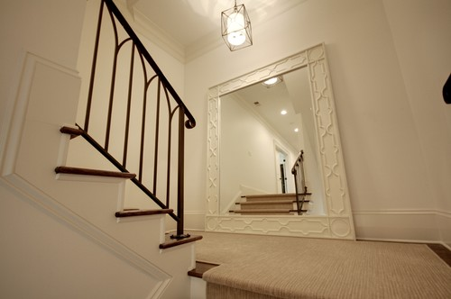 traditional-staircase-mirror